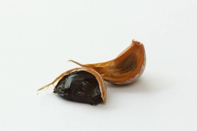 Ajo negro, un superalimento para la salud